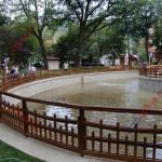 Lacul din parc, umplut cu apă. În foişor, concert de fanfară şi petrecere cu bere (FOTO)