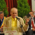 Alexandru Cristian Miloş: Pe mine m-a sfinţit Bistriţa. Titlul este de Cetăţean de onoare al poeziei