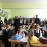 """After school sub ocrotirea Sf. Stelian la Şcoala Gimnazială """"Ştefan cel Mare"""". Cât îi costă pe părinţi"""