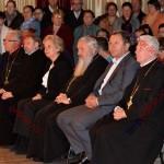 """ÎPS Andrei, ministrul Doina Pană şi conducerea judeţului, la spectacolul """"Dă Doamne la lume bine!"""""""